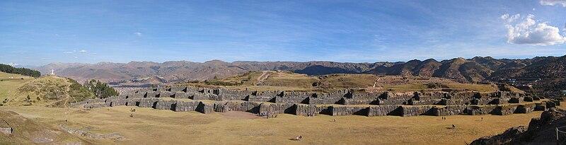 Sacsayhuaman Panorama 30.05.08.jpg