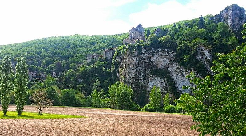 File:Saint-Circq-Lapopie vu d'en bas - panoramio.jpg