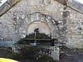 Saint-Laurent-de-Lévézou fontaine.jpg