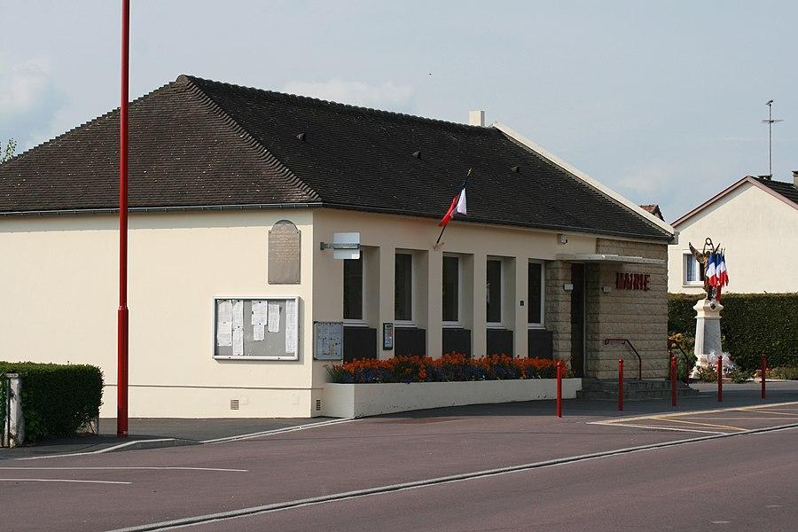 Town hall of Saint-Martin-de-la-Lieue (14100).