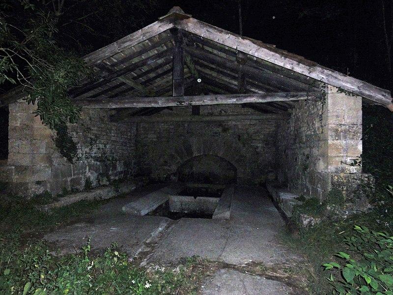 Saint-Supplet (Meurthe-et-M.) lavoir la nuit