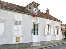 The town hall in Saint-Yon