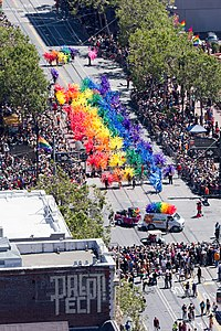 San Francisco Pride Parade 2012-3.jpg