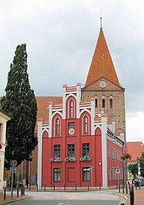 Schwaan Rathaus Kirche 2009-08-04 073.jpg