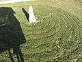 Schweiggers - Rasen-Labyrinth mit Summstein.jpg