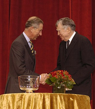 Vincent Scully - Scully (right) at the National Building Museum hands over the 2005 Scully Prize to Prince Charles (left)