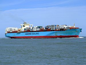 Sealand New York p11 approaching Port of Rotterdam, Holland 08-Jul-2007.jpg