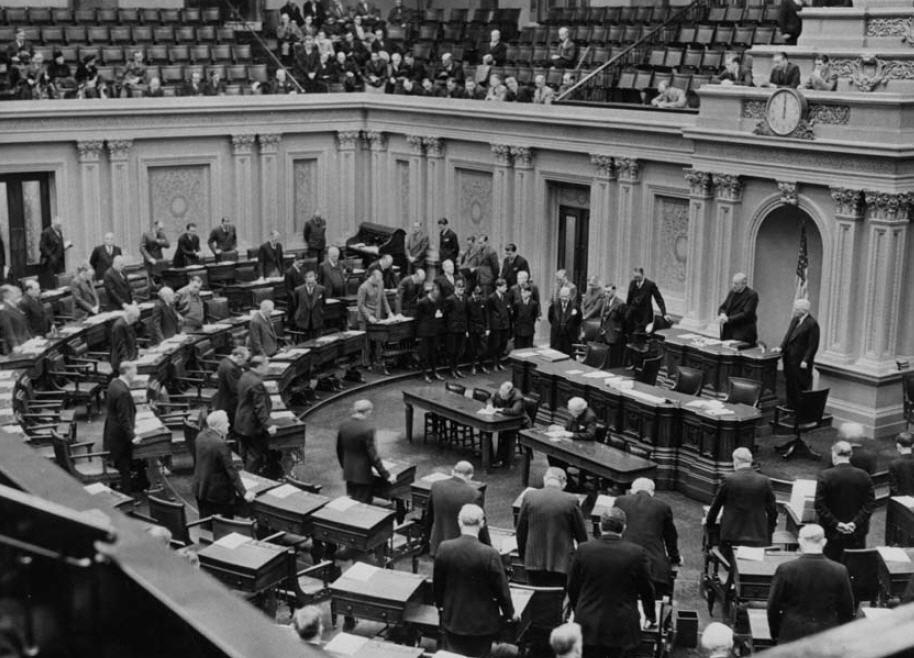 Senate Chaplain delivers prayer 1939