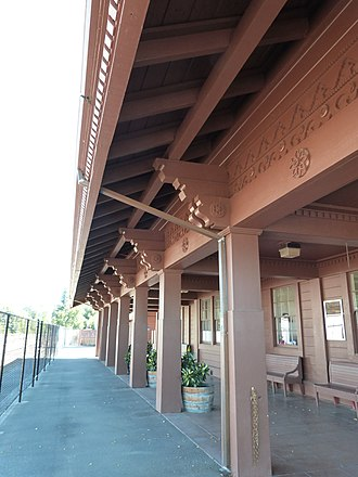 Willits Depot - Image: Skunk Train Depot platform Willits California