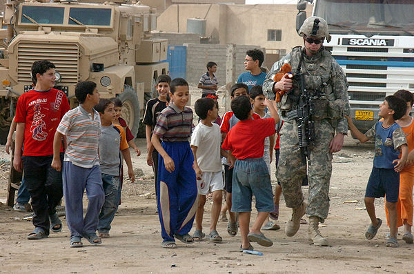 Soldier and Iraqi children.jpg
