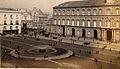 Sommer, Giorgio (1834-1914) - n. 6823 - Napoli, piazza Plebiscito con fontana del Serino.jpg