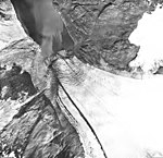 Southwestern Glacier, terminus of tidewater glacier, August 22, 1968 (GLACIERS 6848).jpg