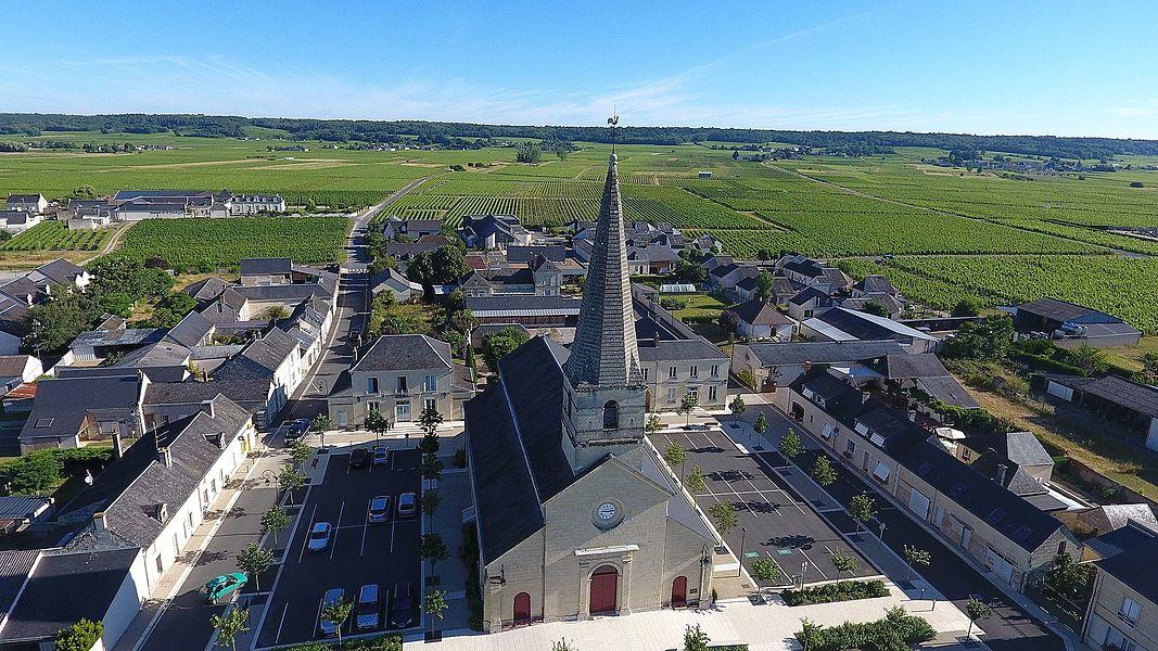 Saint Nicolas de Bourgueil vue du ciel (photo drone, Comm'une Image)
