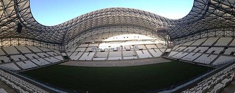 Photographie montrant l'Orange Vélodrome depuis l'intérieur dans sa nouvelle configuration.