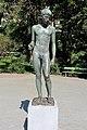 Statue Lietzenseepark (Charl) Speerträger Bernhard Bleeker 1940.jpg