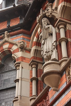 Watson Fothergill - Image: Statue on the frontage of Watson Fothergills offices