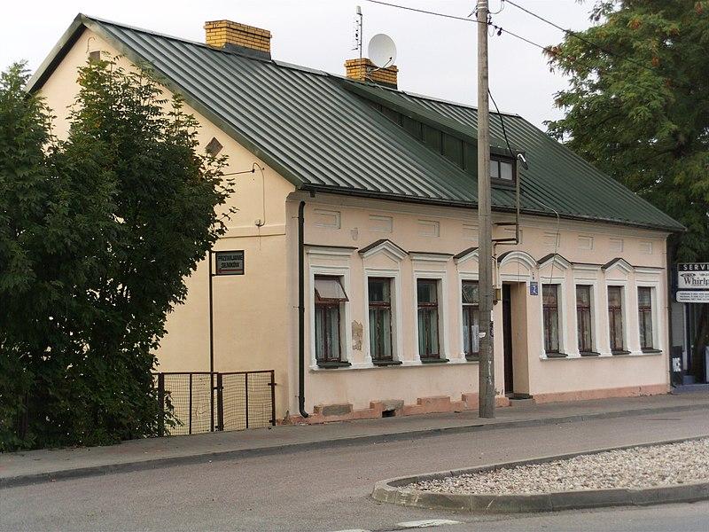 File:Suwałki ul. Bakałarzewska 2 (4).JPG
