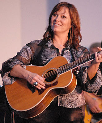 Suzy Bogguss - Bogguss performing at the Aledo Rhubarb Festival Concert in 2009
