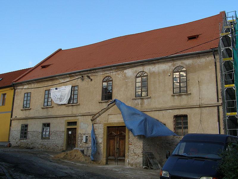 File:Synagoga (Brandýs nad Labem), Na Potoce 140, Brandýs nad Labem.JPG