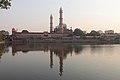Taj-ul-masajid and lake.jpg