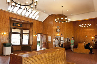 Tarrytown (Metro-North station) - The waiting room and ticket office.