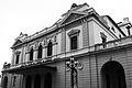 Teatro Nacional en blanco y negro.jpg