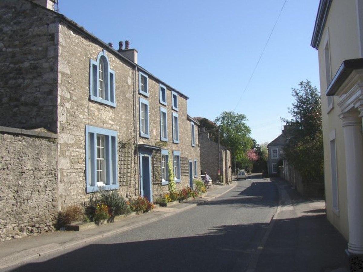 The Manor House, Burton-in-Kendal - geograph.org.uk - 171331.jpg
