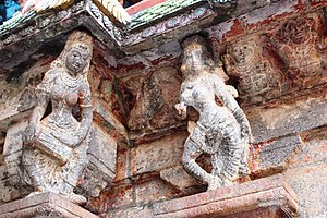 Bhaktajaneswarar temple - Sculpted images on the roof of the sanctum