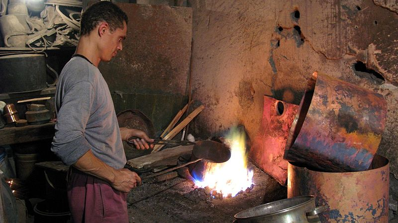 File:Tinsmith working in Tripoli or Medina.jpg