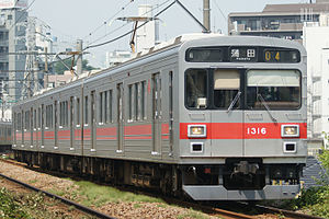Tokyu 1000 series - 3-car Ikegami Line set 1016 in July 2008