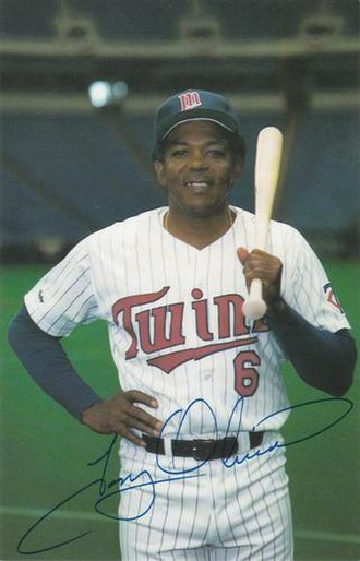 Tony Oliva - Oliva in 1987 during his coaching tenure with the Twins.