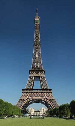 Tour Eiffel Wikimedia Commons (cropped).jpg