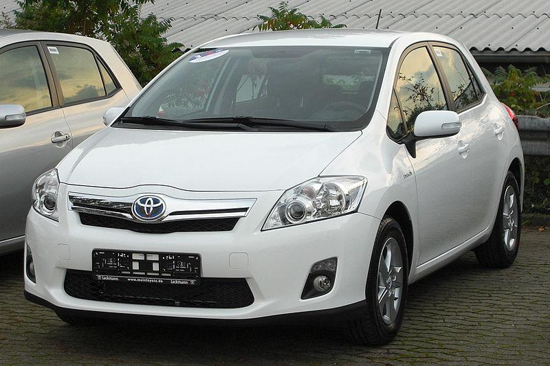 File:Toyota Auris Hybrid front 20100923.jpg