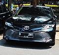 Toyota Camry 2.5 V (XV70) (Parked) in Taman Wijaya IX, Kebayoran Baru, South Jakarta, JKT.jpg