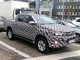 Toyota Hilux 2015 01.jpg