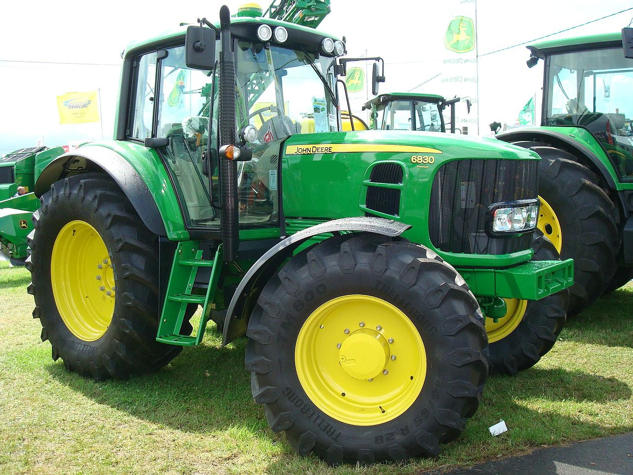 file traktor john deere 6830 premium jpg wikimedia commons. Black Bedroom Furniture Sets. Home Design Ideas