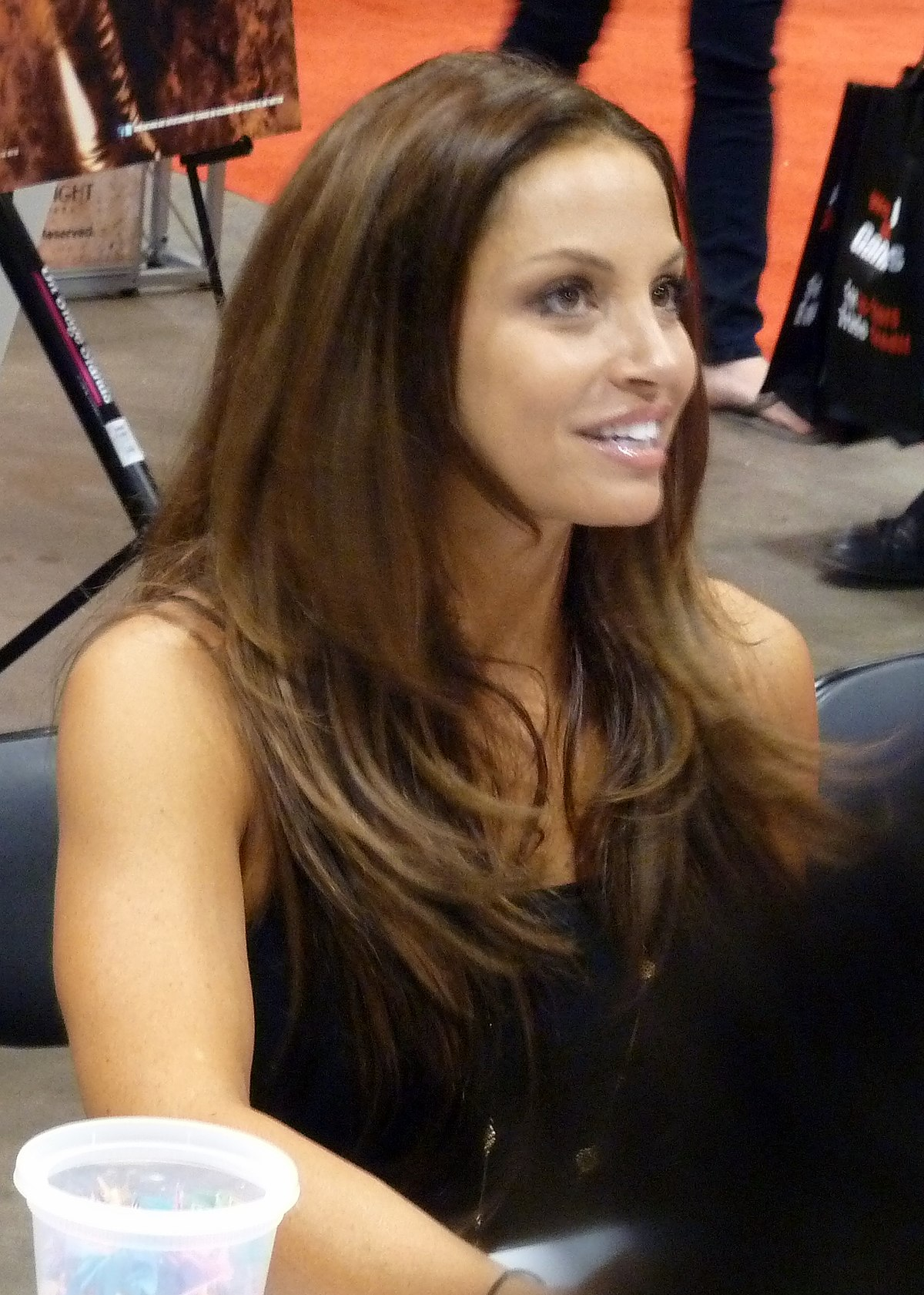 Trish Stratus Nude Photos 30
