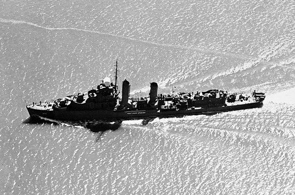 USS Shaw DD-373 aerial 1942.jpg
