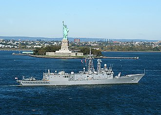 USS Simpson (FFG-56) - Simpson arriving in New York Harbor, October 2004 prior to removal of Mk 13 launcher, but after removal of the STIR missile guidance radar.