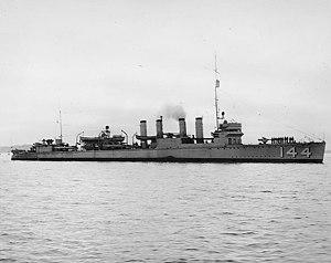 USS Upshur (DD-144) underway, circa 1940-1941 (NH 99132)