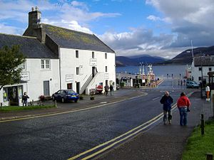 English: Ullapool Hardware store The building ...