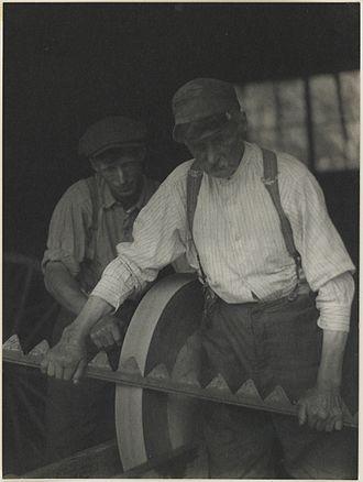 Doris Ulmann - Image: Ulmann Two Men At Work MIA 20002401