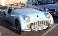 Une voiture automobile Triumph TR3.JPG