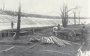 Board track racing - Construction of a board track at Uniontown, Pennsylvania in 1916