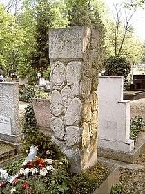 Váci Mihály sírja.jpg
