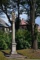 Výsluní - Sloup se sochou svaté Anny Samétřetí.jpg