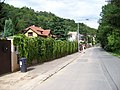V Šáreckém údolí, u domů čo. 72 - 64 (01).jpg