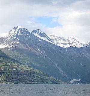 Valldalen - Image: Valldal frå fjorden