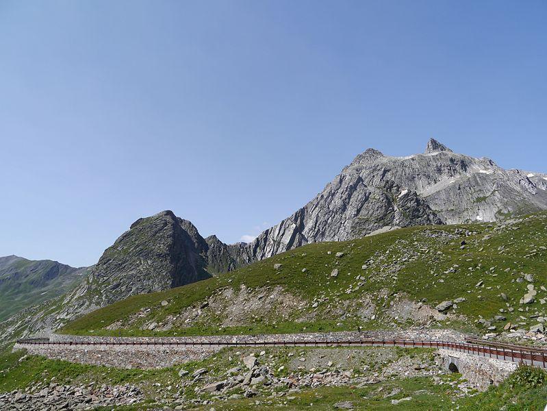 File:Valle d'Aosta Grand-St.-Bernard 02.JPG