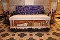 Velehrad, sarkofág kardinála Tomáše Špidlíka (1).jpg